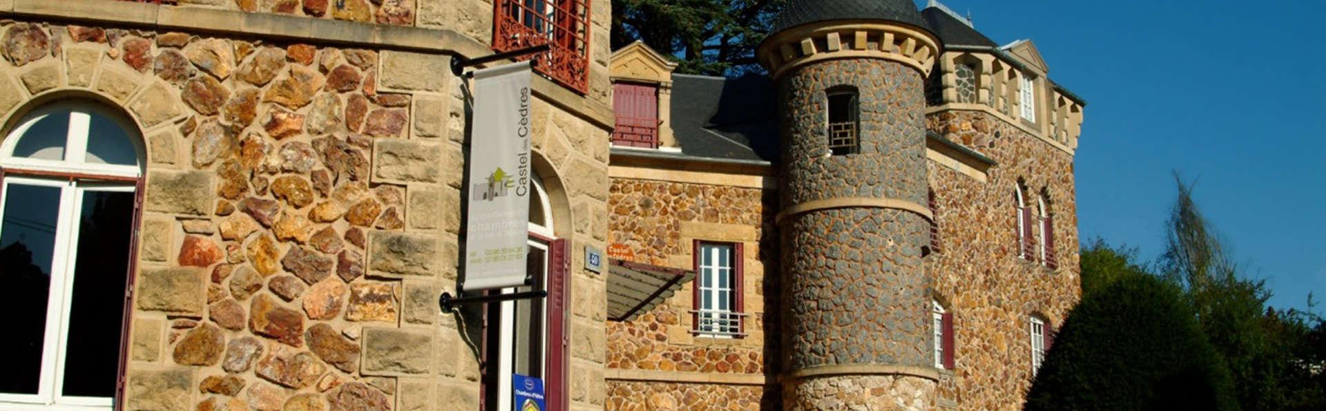 Castel des Cèdres - EDIT_front.jpg