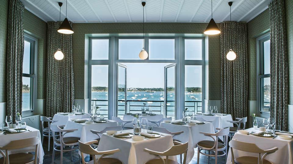 Castelbrac - EDIT_restaurant.jpg