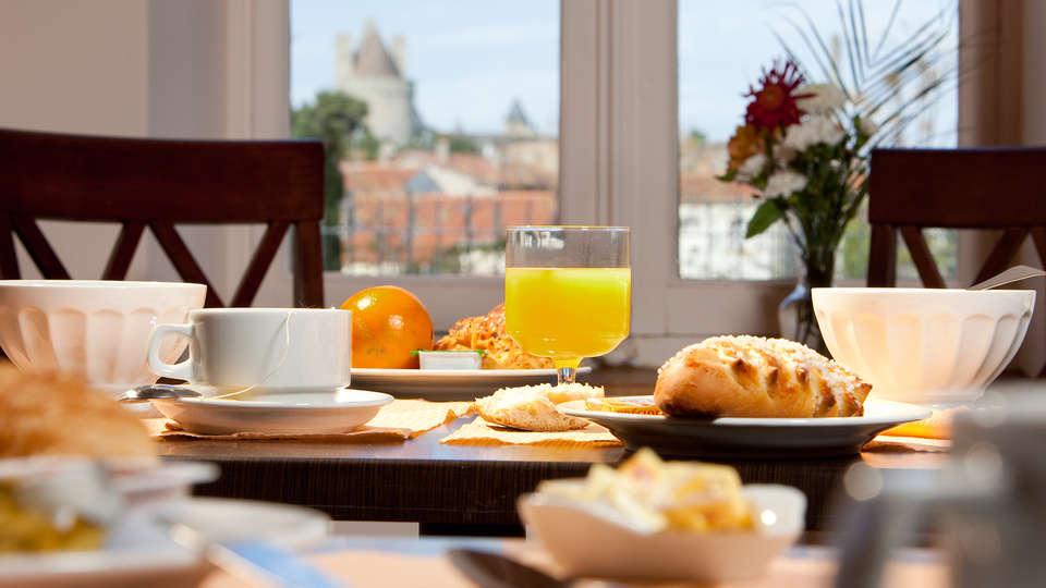 Cerise Carcassonne Sud - EDIT_breakfast.jpg