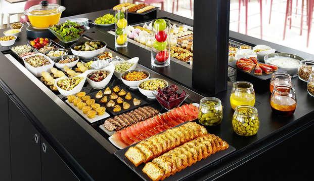 ¡Cena buffet a solo 15 minutos de Disneyland® Paris!