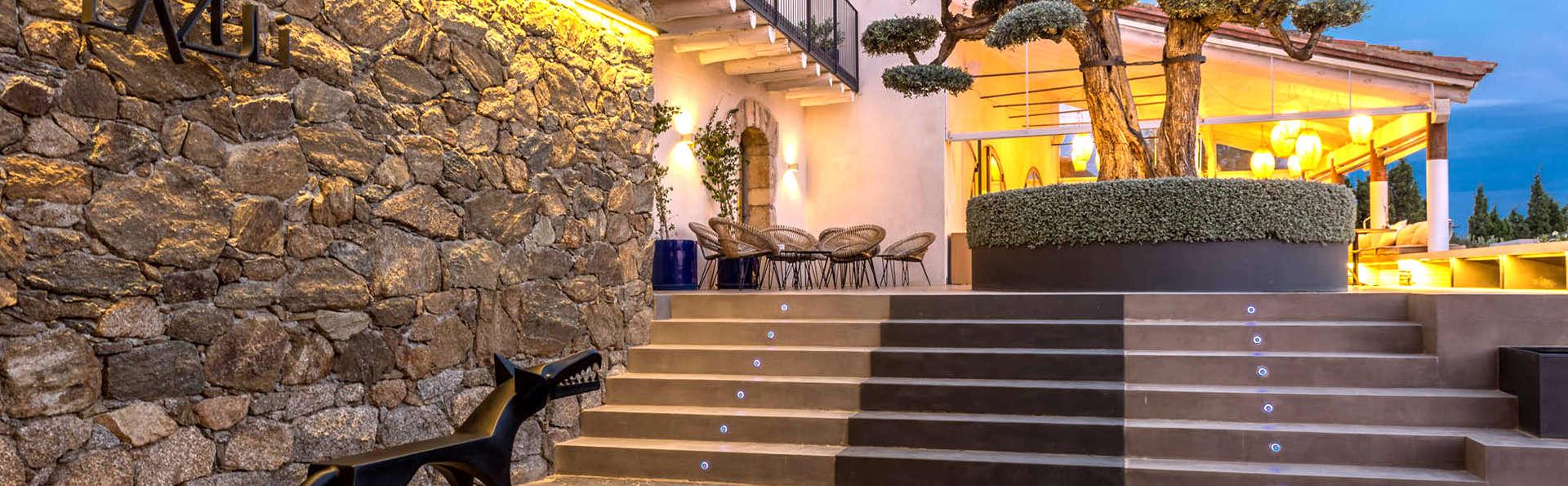Hotel Mas Lazuli - Edit_Entrance.jpg