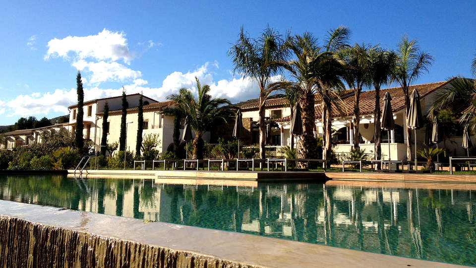 Hotel Mas Lazuli - Edit_Pool.jpg