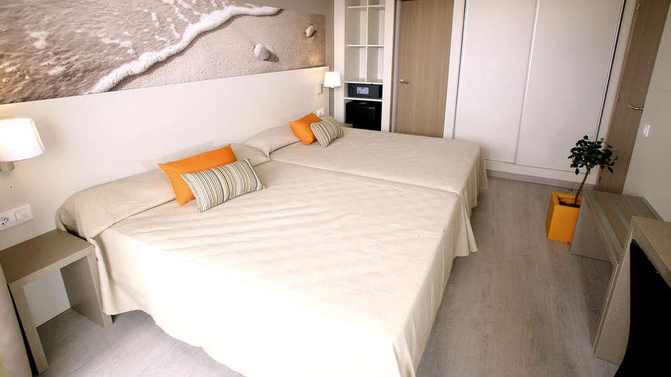 Ohtels Playa de Oro - Edit_Room.jpg