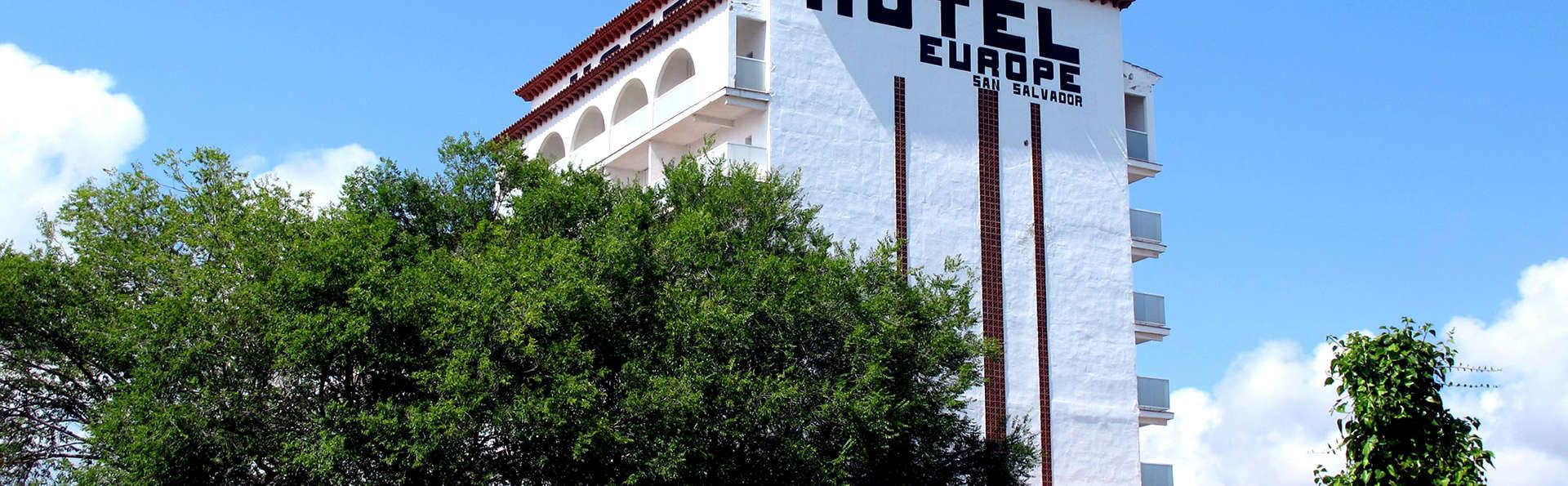 Ohtels San Salvador - Edit_Front.jpg