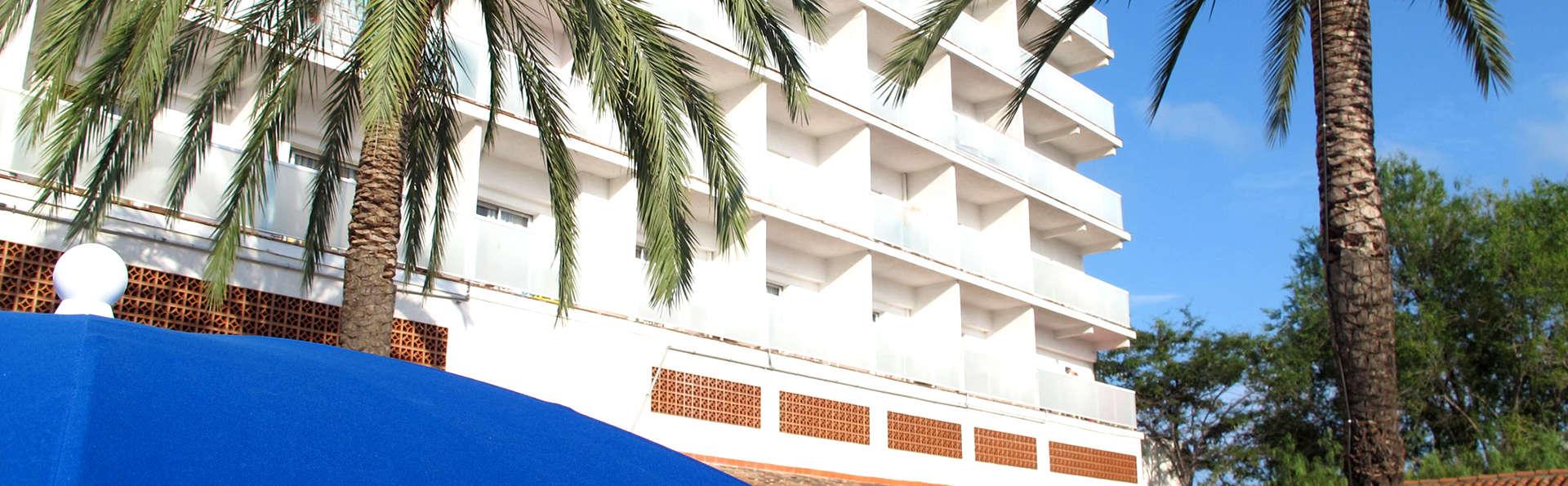 Ohtels San Salvador - Edit_Front2.jpg