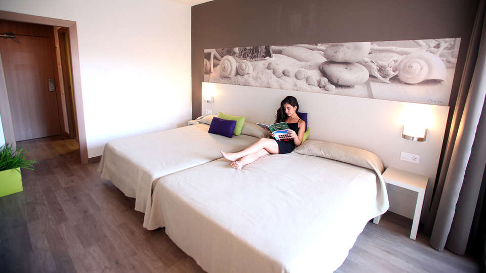 Ohtels Villa Dorada - Edit_Room2.jpg