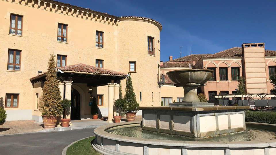 Hotel Cándido - EDIT_NEW_front.jpg