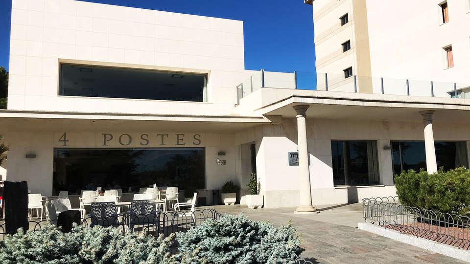 Sercotel Hotel Cuatro Postes - EDIT_NEW_terrace.jpg