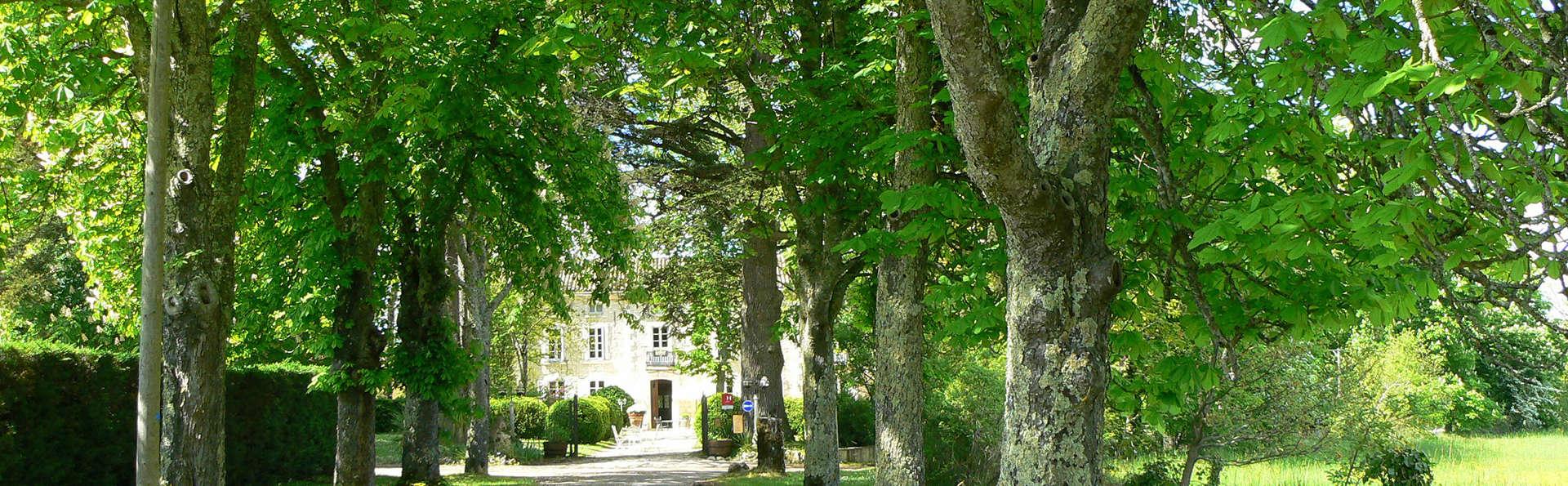 Château de l'Hoste - EDIT_exterior.jpg